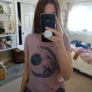 Aeropostale Tops - Graphic tee sun and moon